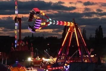 Bridge Fair at night (David Glenn, 2011)